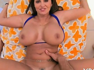 Curvaceous Nymph Ava Addams Gets Fingered Nuvid