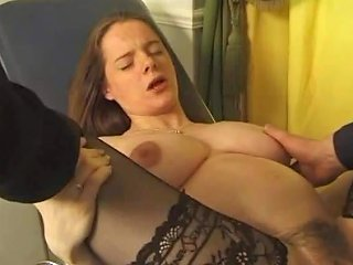 Schwangere Bei Der Untersuchung In Den Arsch Gefickt