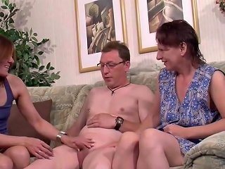 Mutter Und Stief Schwester Helfen Ihm Bei Seinem Ersten Fick Hdzog Free Xxx Hd High Quality Sex Tube